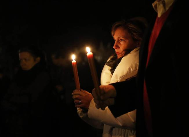 gss-121214-sandy-hook-vigils-kb-5p.ss_full