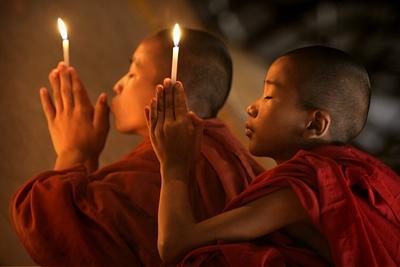 bagan-monks-c-awfulsara-565[1]