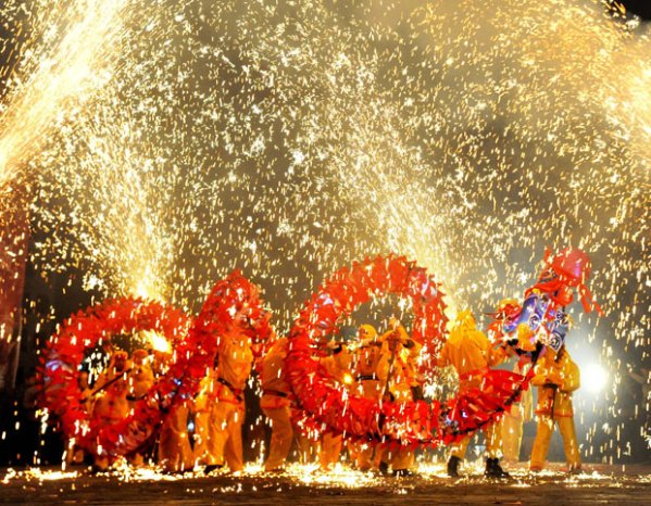 fireworks-china_1828324i