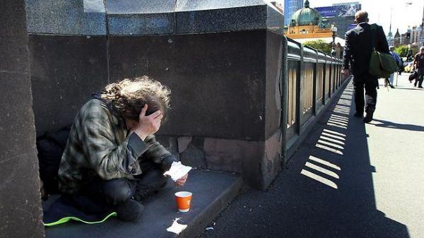 180553-beggar