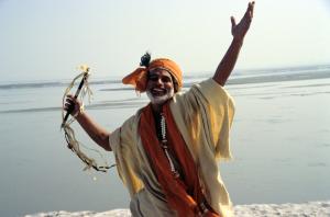 joyful-sadhu-from-short-cut-to-nirvana-film